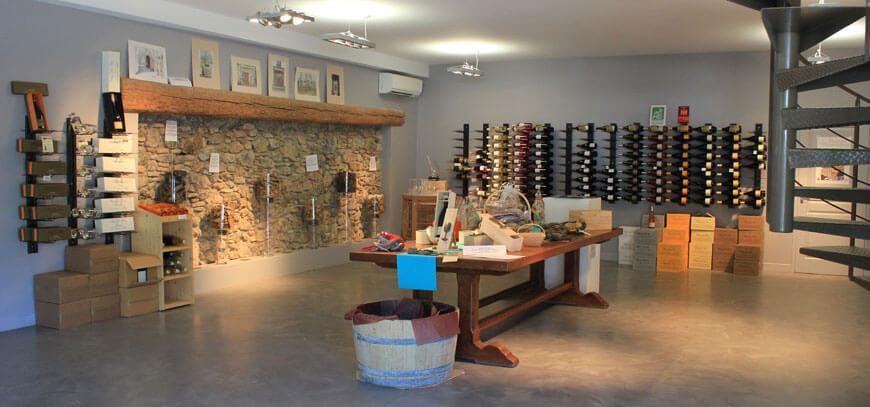 Visit the Domaine Deshenry's tasting cellar during your trip: Faugères wine tourism